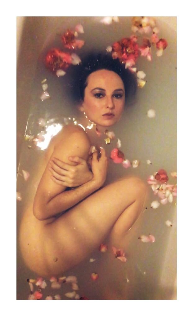 Flower Bath Print 16×20